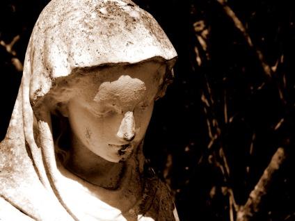 garden_statue_mary